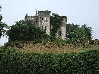 Beyrie-sur-Joyeuse - The ruins of the chateau