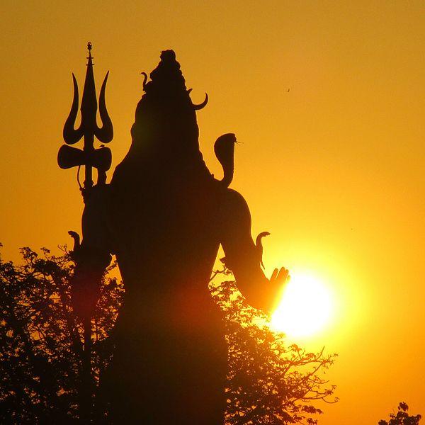 File:Bhagwan Shankar Statue at Haridwar.jpg