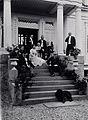 Bjørnson med familie og venner, 22. august 1901 (4473443290).jpg
