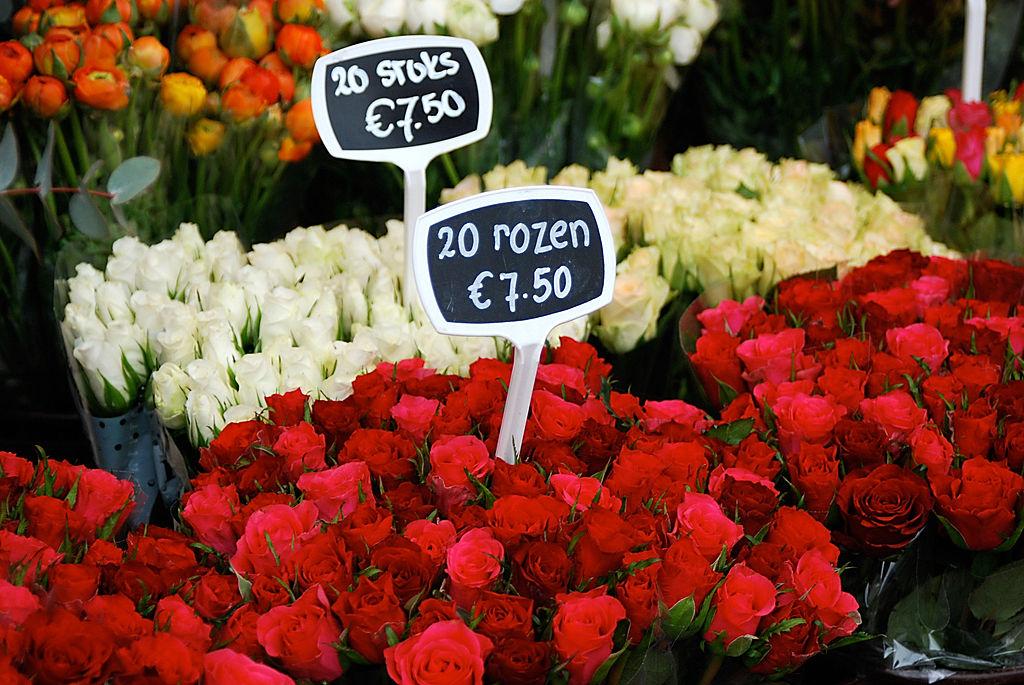 Розы на рынке