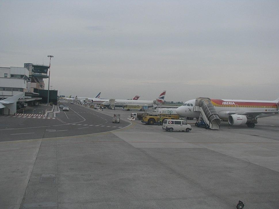 Bologna Guglielmo Marconi Airport 2
