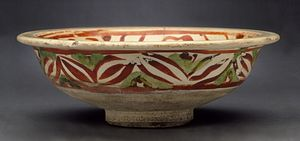 Cizhou ware - 13th-century bowl with polychrome overglaze enamelling