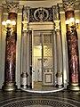 Bucuresti, Romania. ATHENEUL ROMAN. (Interior, usa) (5) (B-II-m-A-18789).jpg