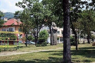 Buhiovo-main-street.jpg