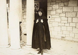 Richard Croker - Beulah Croker, outside Glencairn, their house in Stillorgan, ca. 1921 or 1922
