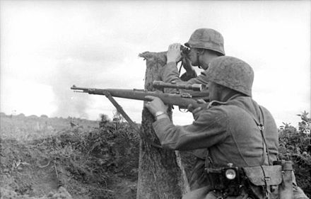 German snipers at Voronezh, June 1942 Bundesarchiv Bild 101I-216-0417-19, Russland, Soldaten in Stellung.jpg