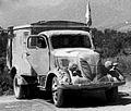Bundesarchiv Bild 101I-476-2051-29A, Italien, Sanitäts-LKW Phänomen crop.jpg