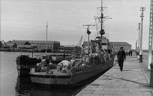 M-class minesweeper (Germany) - M1935 vessel in occupied France in 1941