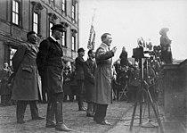 Bundesarchiv Bild 102-14271B, Reichspräsidentenwahl, Ansprache Adolf Hitler.jpg