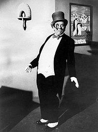 Burgess Meredith The Penguin Batman 1966.JPG