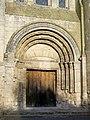 Bury (60), église Saint-Lucien, portail sud-ouest.jpg