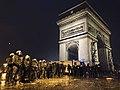 CRS protégeant l'Arc de triomphe Place de l'Etoile Paris.jpg