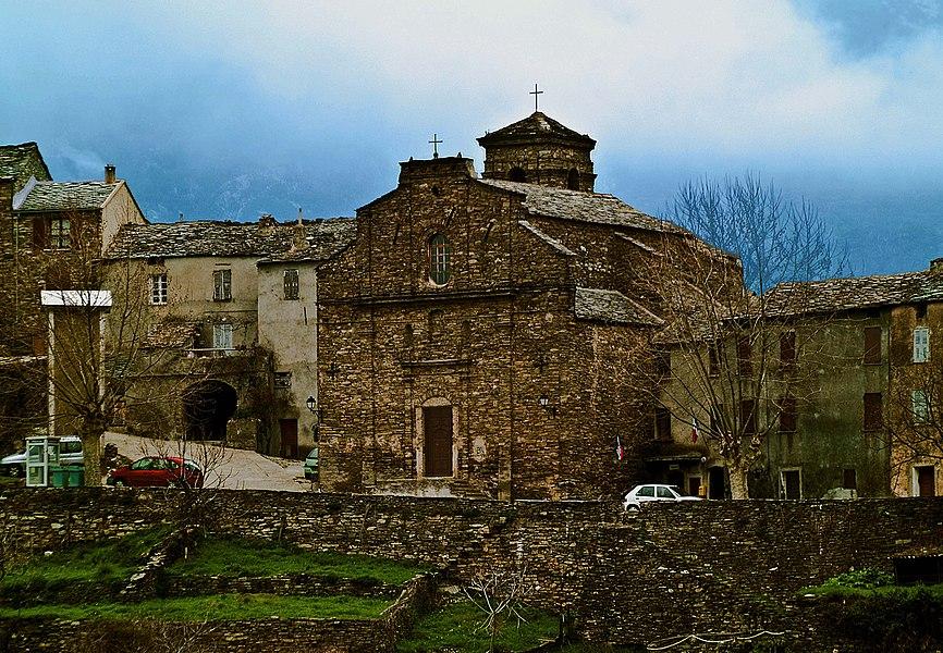 Campi (Castagniccia - Haute-Corse) est un petit village du centre de la Corse à 524 mètres d'altitude. L'église paroissiale Sainte-Marie (Santa Maria) est datée de la fin du XIXe siècle.