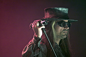 Call of Juarez - Ray McCall's appearance in the game was partially inspired by Carl McCoy (pictured), lead singer of Fields of the Nephilim.