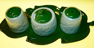 Carlton Ware - Carlton Ware cruet set, Australian leaf design c.1950s.