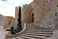 Castillo de Villena puerta barbacana.JPG