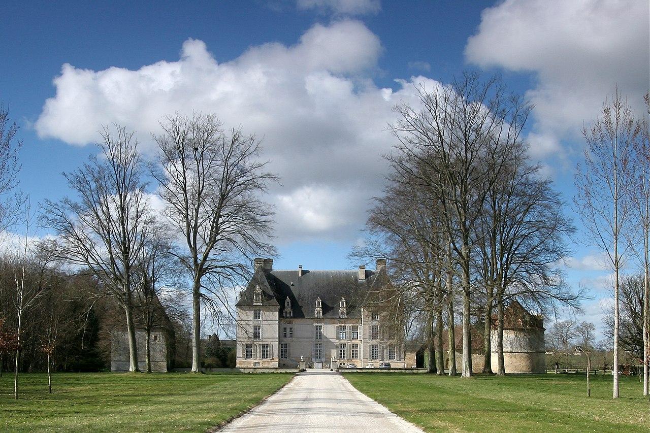 Chateau-d-aubigny-calvados.jpg