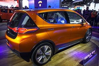 Chevrolet Bolt Concept (rear) NAIAS 2015.jpg