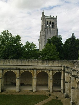 Hugh Nonant - Modern-day view of the cloisters at Bec Abbey, where Hugh Nonant died