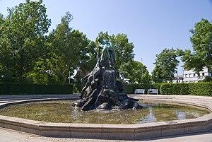 Rose Garden, Coburg - Sintflutbrunnen (fountain)