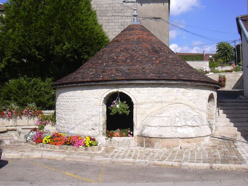 Wash-house in Colombé-le-Sec (Aube, Champagne-Ardenne, France).