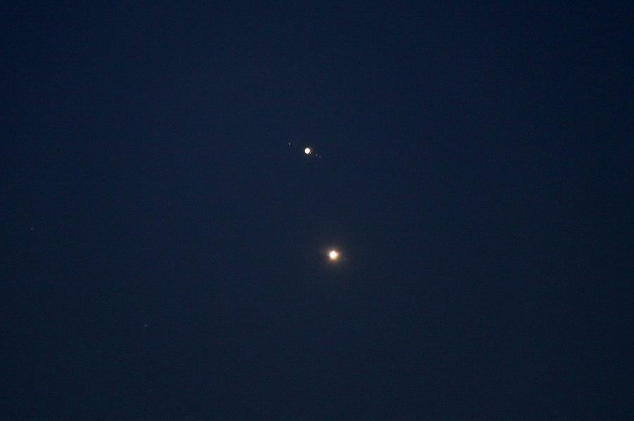 Conjonction Vénus-Jupiter du 30 juin 2015.