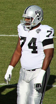 Cornell Green (offensive tackle).JPG