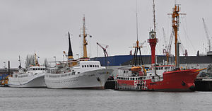 Cuxhaven Fischereihafen 01 by-RaBoe 2012.jpg