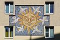 Davidgasse 76–80 Mosaik Sonne.JPG