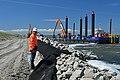 De Afsluitdijk. Deze foto Trotse dijkversterker. ID511372.jpg