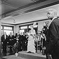 De koningin tijdens de vergadering van de Staten van Suriname, Bestanddeelnr 252-4258.jpg