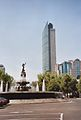 Diana Cazadora und Torre Mayor.jpg