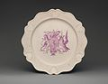 Dish with the Arms of the Anti-Gallican Society MET DP-1687-006.jpg