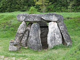 Dolmen in Basque.jpg