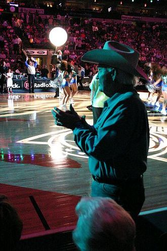 Dallas Mavericks - Mavs' founder Don Carter