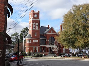 Das Dooly County Courthouse ist im National Register of Historic Places eingetragen.