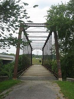 Eastern end of the Dey Road Bridge.jpg