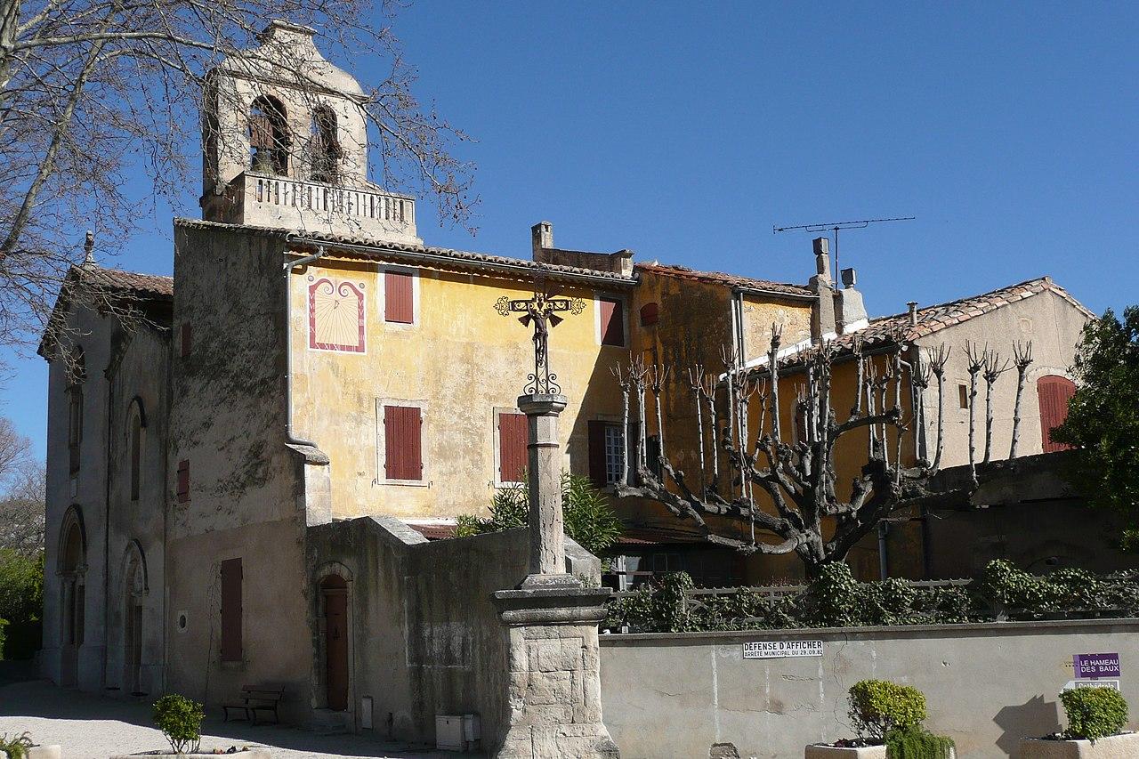 Eglise Paradou.JPG