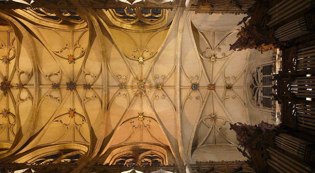Le Plafond (Voûtes d'arêtes) de l'église de Saint-Nizier à Lyon. Photo de Alexmar983