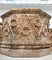 Elément de façade du Palais de Mchatta (musée d'art islamique, Berlin) (11601023173).jpg