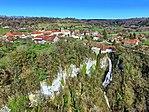 Eternoz, le village et la cascade de la Vau.jpg