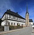 Ev.-Luth.Kirche und Pfarrhaus in Elterlein. Sachsen. 2H1A1877WI.jpg