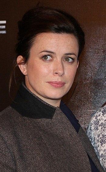 Eve Myles 2013