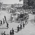 Fêtes du Nam-giao en 1942 (4). Le palanquin où se tient S.M. Bảo-đại sort du palais.jpg