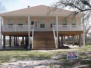 Robert and Sandra Harris' elevated house w...