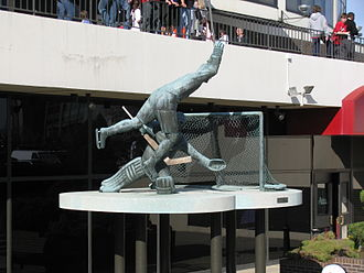 Philadelphia Flyers - Statue depicting Gary Dornhoefer's overtime goal during the 1973 Stanley Cup playoffs.