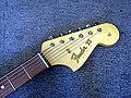 Fender-VI-Bass-Kopfplatte.jpg