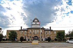 Fentress-County-Courthouse-east-tn1.jpg