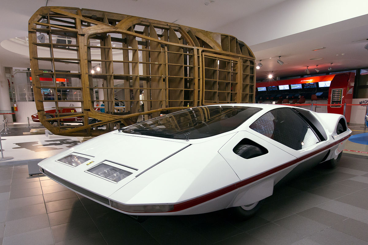 Ferrari Modulo and wooden frame Museo Ferrari.jpg