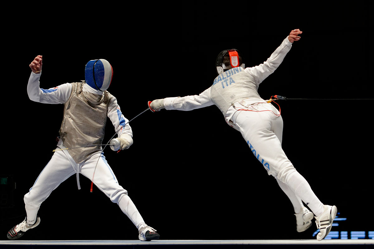 Top Fencing Wallpaper - 1200px-Final_Challenge_international_de_Paris_2013-01-26_193155  Image_406471.jpg